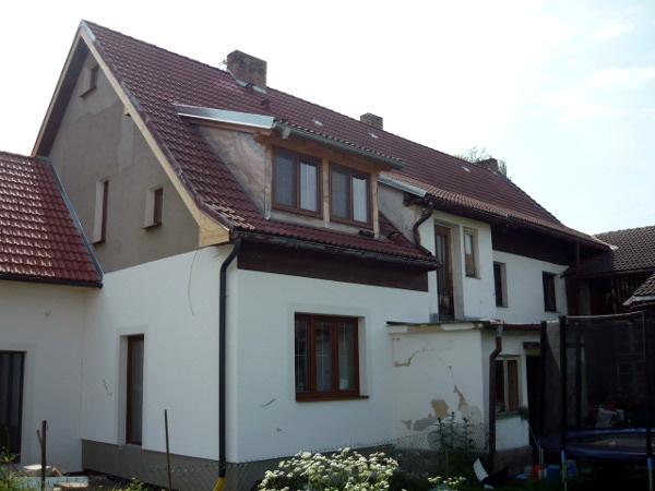 Příklad zateplení fasády rodinného domu (průběh rekonstrukce)