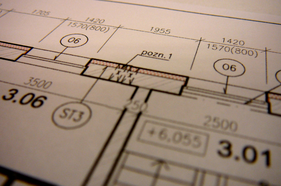 Pohled na detail projektové dokumentace s vyznačenou změnou - aplikace izolační vrstvy pro dosažení zateplení.