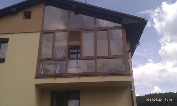 lodžie - vznikla přidáním oken na původní balkon